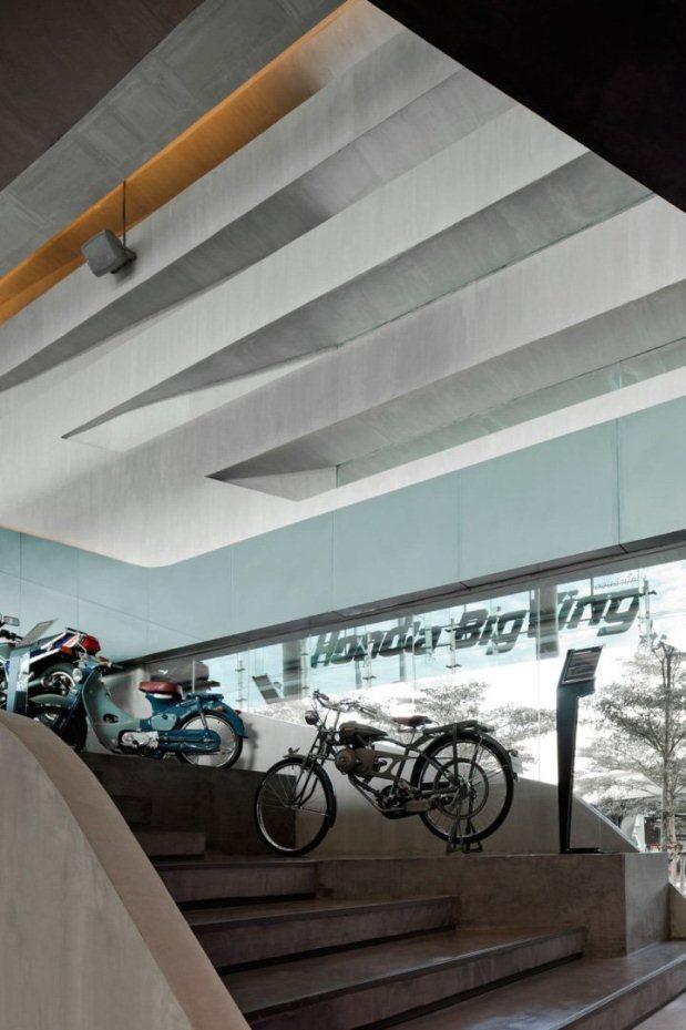 Honda BigWing - Bangkok - 8