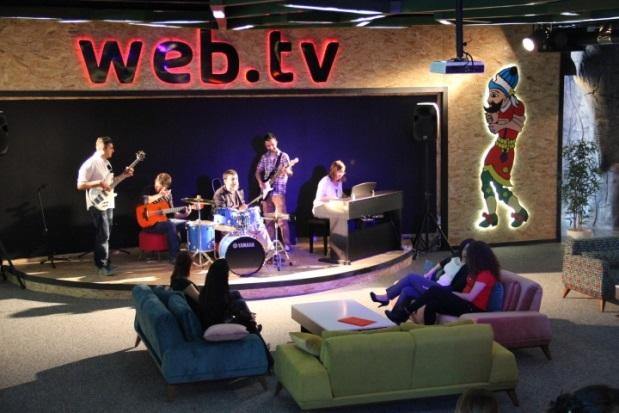 Web TV - 3b