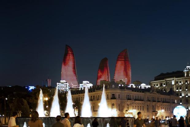 Flame Towers - Bakou - 1