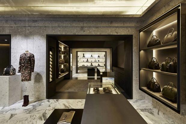 Givenchy - Avenue Montaigne - 1