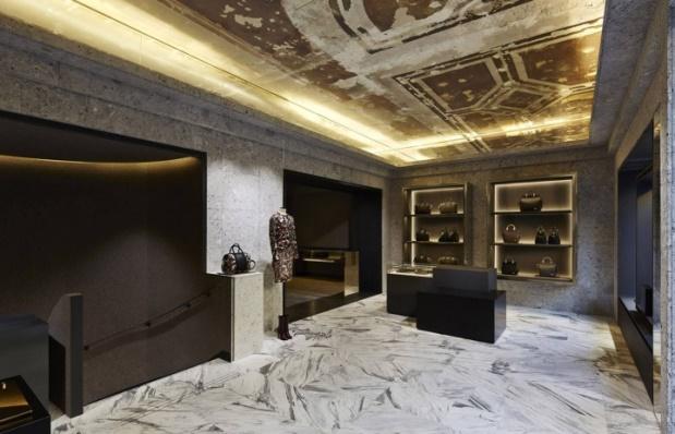 Givenchy - Avenue Montaigne - 2
