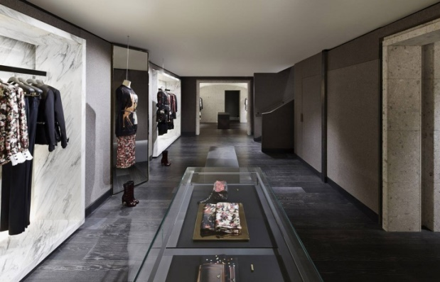 Givenchy - Avenue Montaigne - 4