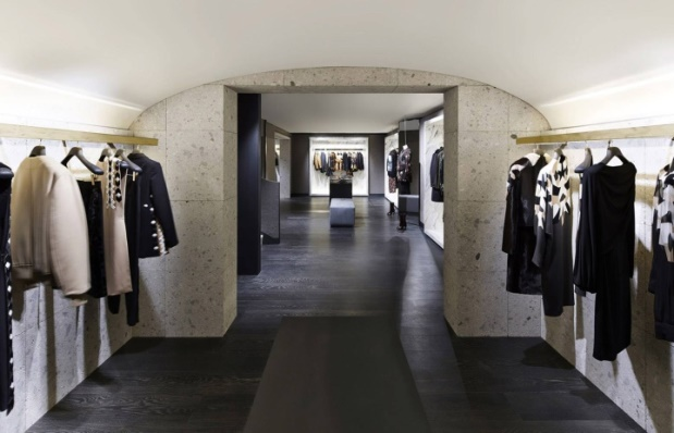 Givenchy - Avenue Montaigne - 5