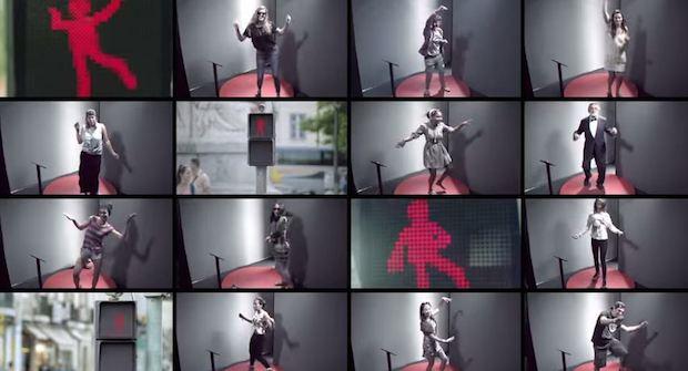 The Dancing Traffic Light - 11