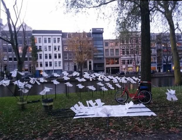 On the wings of freedom amsterdam ledbox for Salon audiovisuel amsterdam