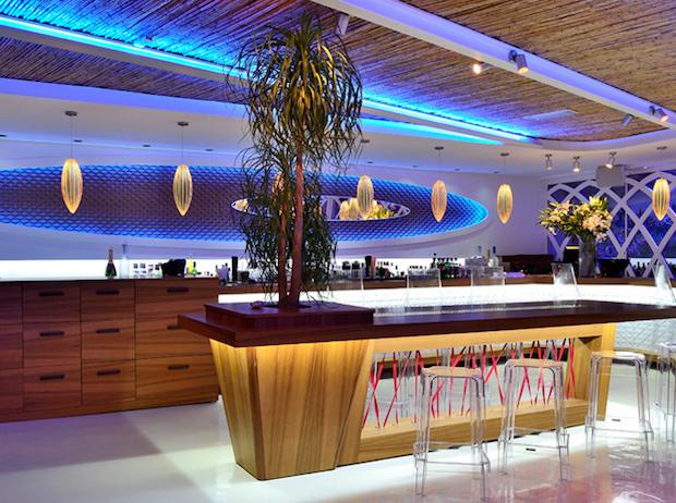 M Ultra Lounge - 1b