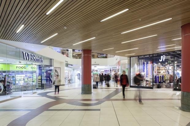 Plaza - Victoria Station - 3