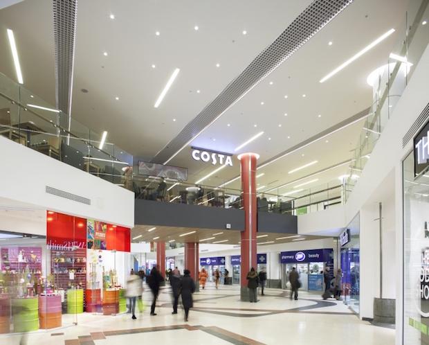 Plaza - Victoria Station - 4