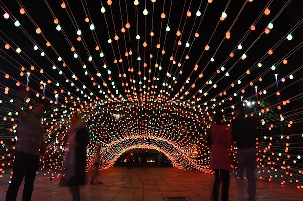 light-tunnel-parc-mellat-3