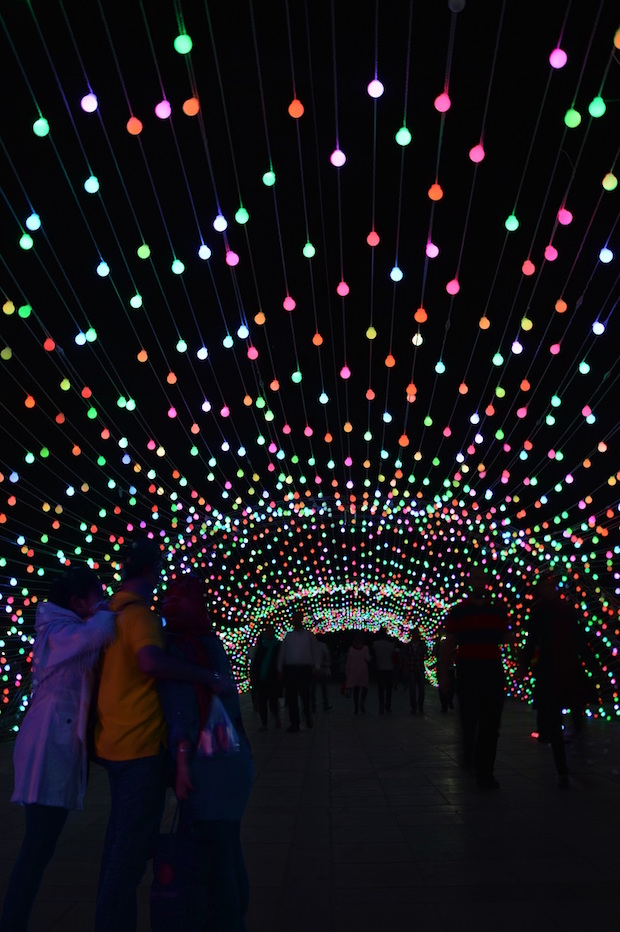 light-tunnel-parc-mellat-9